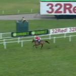 仏国産馬ローリーナが48馬身差を付けて記録的大勝!独走すぎて芝